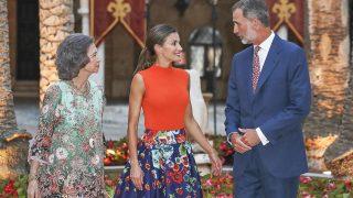 Los Reyes y doña Sofía en la tradicional recepción en la Almudaina / Gtres