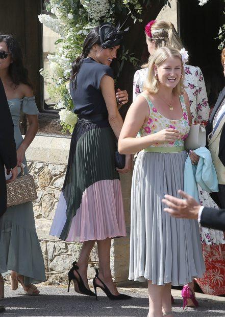 Ahí va la Duquesa: Meghan Markle se va de boda en su primer cumpleaños como 'royal'