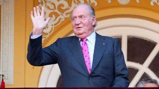 El rey Don Juan Carlos I, saludando / Gtres