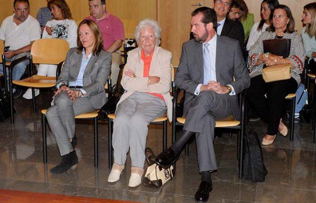 Henar Ortiz, Menchu Álvarez del Valle y Jesús Ortiz