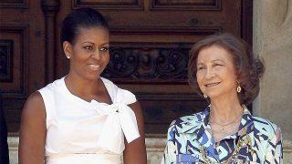 Michelle Obama, junto a doña Sofía, en una imagen de archivo / Gtres.