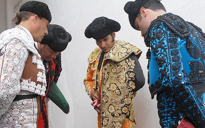 Vicky Martin Berrocal diseño traje de luces