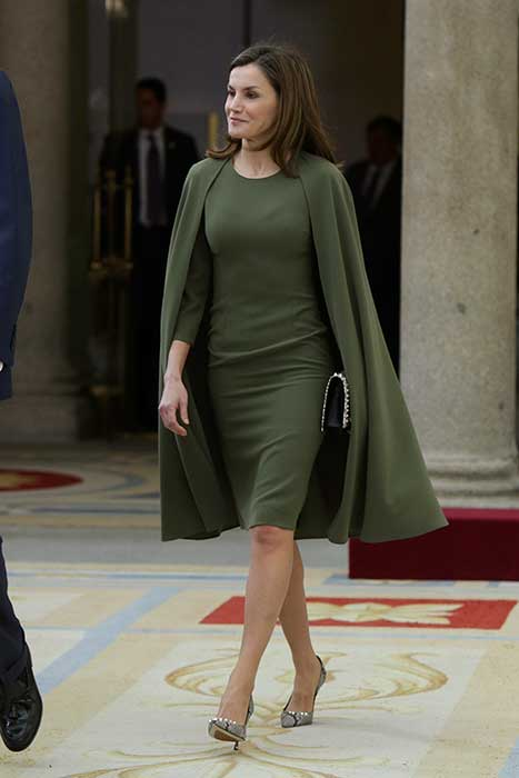 Letizia vestido capa