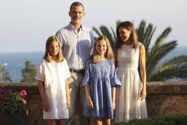 La foto de familia en la Almudaina fue el punto de inicio de las vacaciones en Mallorca / Gtres