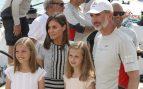 El 4 de agosto la Reina y sus hijas visitaron el Club Náutico / Gtres