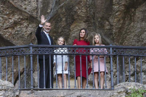 El peculiar motivo del retraso de los Reyes y sus hijas en Covadonga