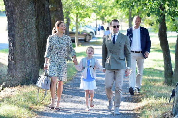 Estelle de Suecia con sus padres / Gtres