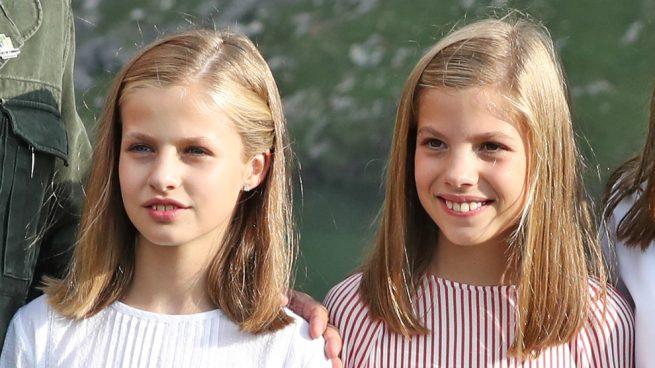 Leonor y Sofía durante los actos de Covadonga / Gtres