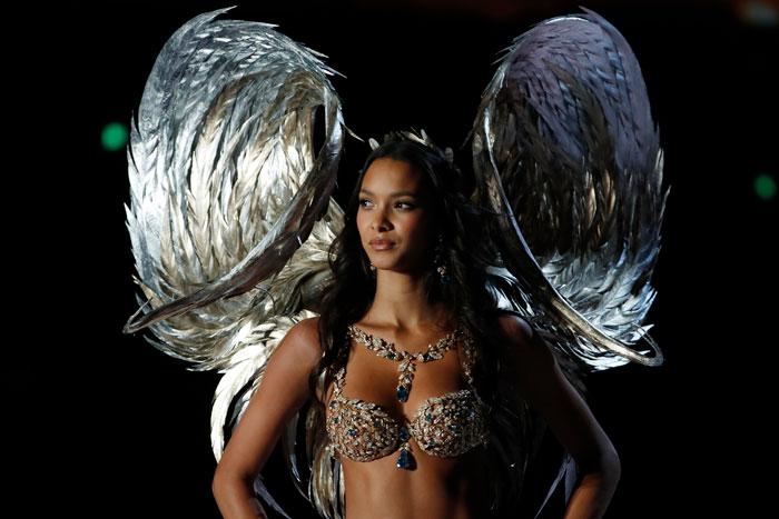 Lais Ribeiro fantasy bra Victoria's Secret