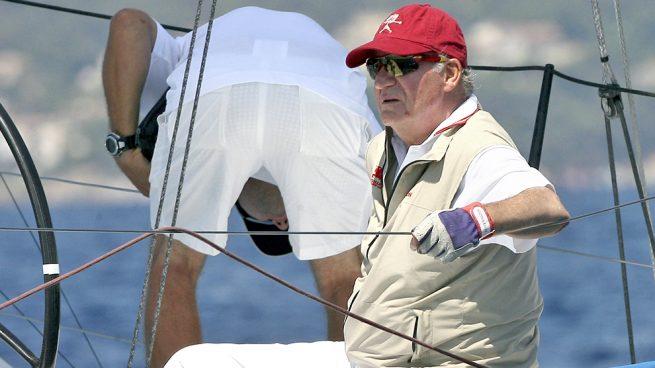 Don Juan Carlos vuelve a Sanxenxo para navegar con la infanta Elena