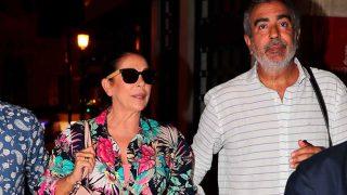 Isabel Pantoja sale a cenar por Valencia / Gtres