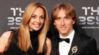 Luka Modric y su mujer durante la entrega de premios The Best / Gtres
