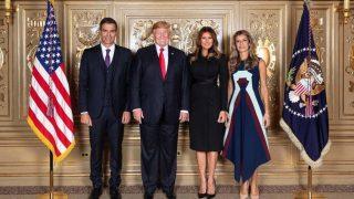 La ansiada foto: Pedro Sánchez, Donald Trump, Melania Trump y Begoña Gómez / Casa Blanca