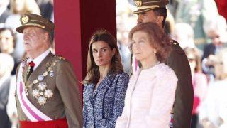 Doña Letizia con los reyes eméritos don Juan Carlos y doña Sofía / Gtres