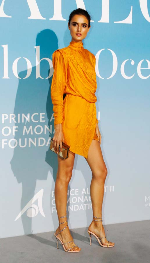 Blanca Padilla vestido amarillo Dundas