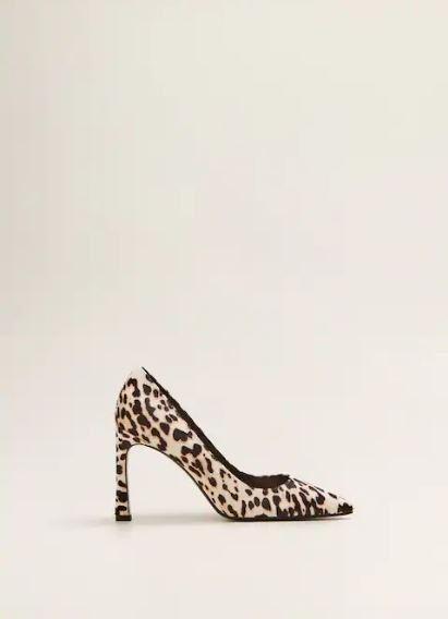Zapato de piel con estampado de leopardo