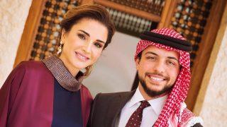 El príncipe Hussein con su madre la reina Rania