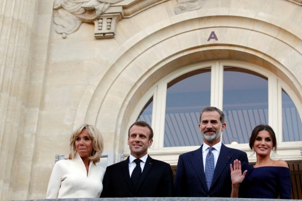 Los Reyes y los Macron en el Grand Palais / Gtres