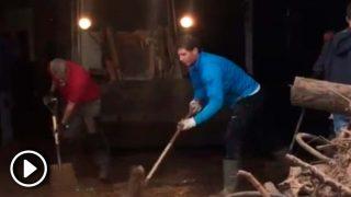 Rafa Nadal se 'pringa' por las víctimas de las inundaciones en Mallorca / Twitter @cmarquezdaniel