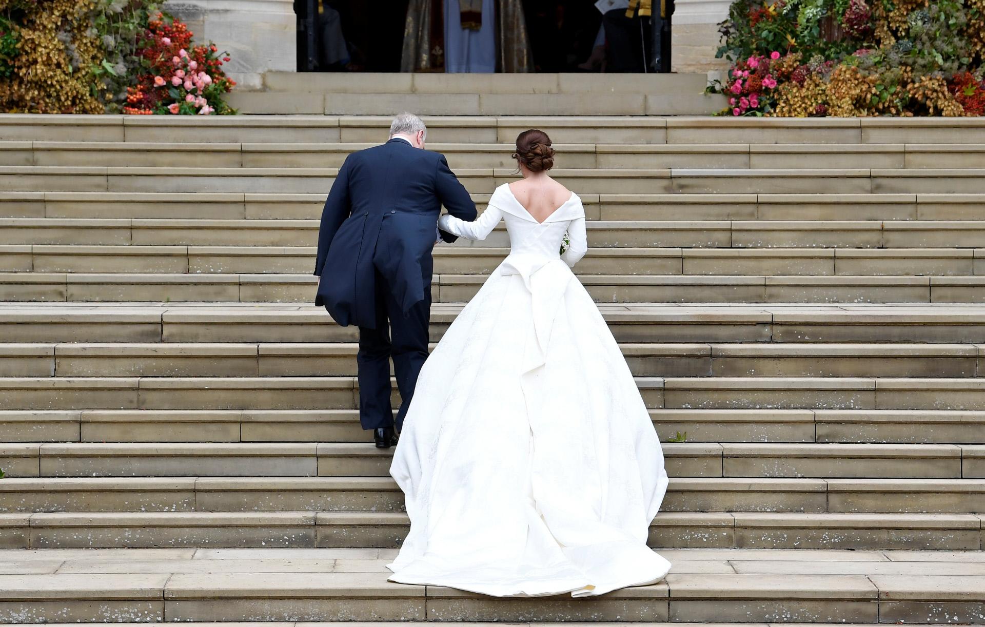 Divinas y desastres: looks de impacto en la boda de Eugenia de York