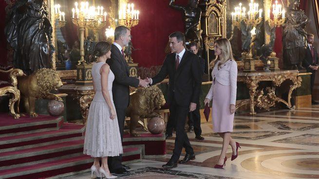 Los Reyes con Begoña Gómez y Pedro Sánchez / Gtres