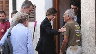 Don Felipe y doña Letizia visitan una de las casas afectadas / Gtres.