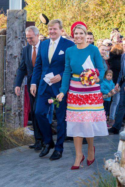 Máxima de Holanda le pone una sonrisa al otoño con un look al más puro estilo de Ágatha Ruiz de la Prada