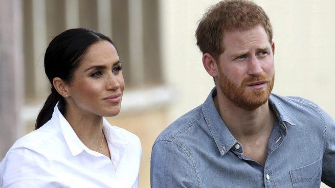 Meghan Markle se toma foto con su doble gracias al príncipe Harry