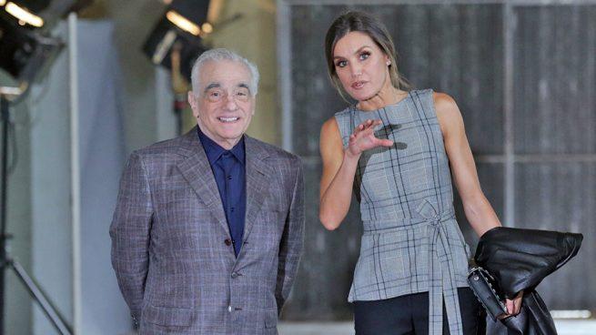 ¿Letizia o Meghan?: La Reina se apunta al look Markle y estrena top de Zara en su encuentro con Scorsese