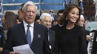 Isabel Preysler y Mario Vargas Llosa en los Premios Princesa de Asturias/ Gtres