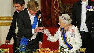 La reina Isabel y el rey de Holanda durante la cena de gala / Gtres