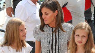 La reina Letizia con sus hijas en una imagen de archivo / Gtres