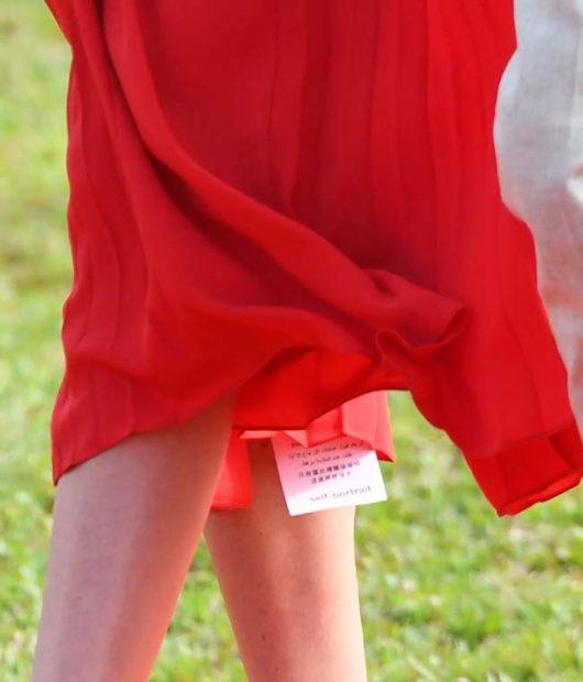 Meghan Markle, con la etiqueta del vestido colgando en su última aparición