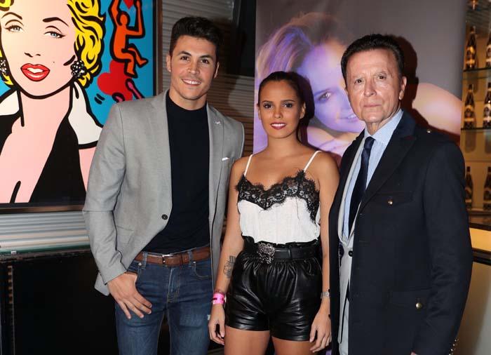 Kiko Jiménez, Gloria Camila y Ortega Cano, durante el concierto