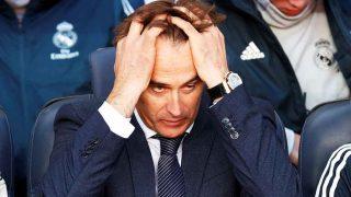Julen Lopetegui, lamentándose en e banquillo del Camp Nou / Gtres