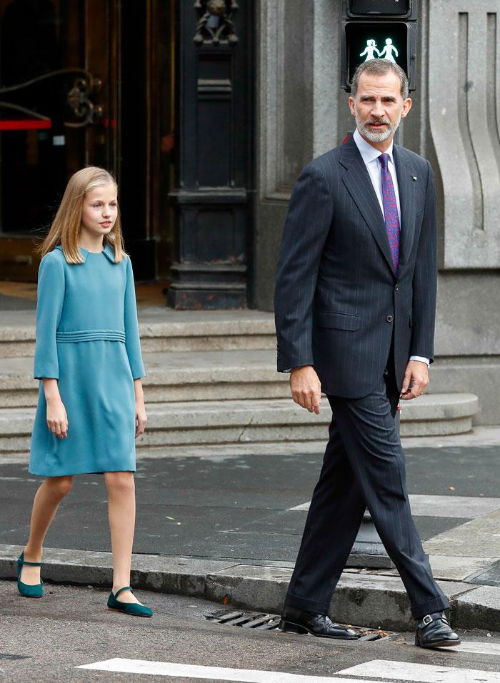 La princesa de Asturias ha llevado un vestido muy parecido al del día del Toisón