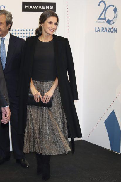 'Glam Queen': Doña Letizia vuelve a la carga y deslumbra con su look más disco