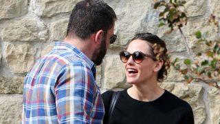 Jennifer y Ben se han dejado ver paseando con sus tres hijos / Gtres