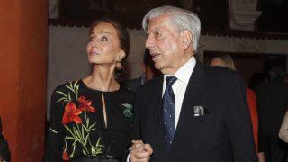 Mario Vargas Llosa enseña su ciudad a su pareja, Isabel Preysler / Gtres.