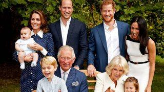 El Príncipe Carlos de Inglaterra posa junto a su familia/ Gtres