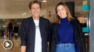 Manuel Díaz 'El Cordobés' y su esposa Virgina Troconis a la salida del hospital /Gtres