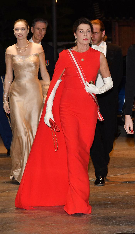 Carolina de Mónaco vestido rojo Letizia