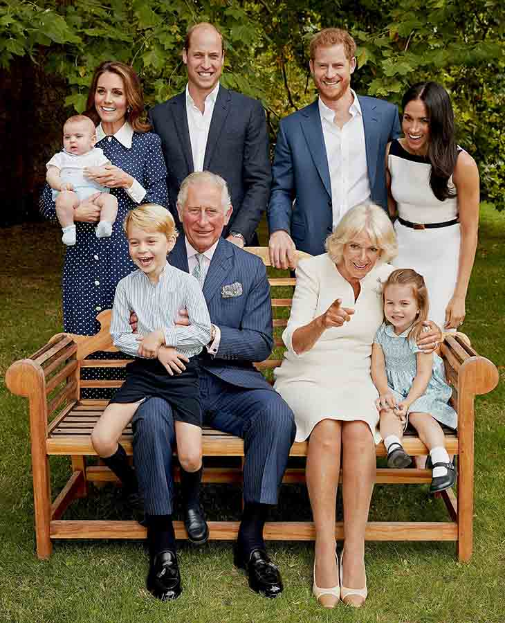 Posado familiar con motivo del 70 cumpleaños del Príncipe Carlos / Gtres