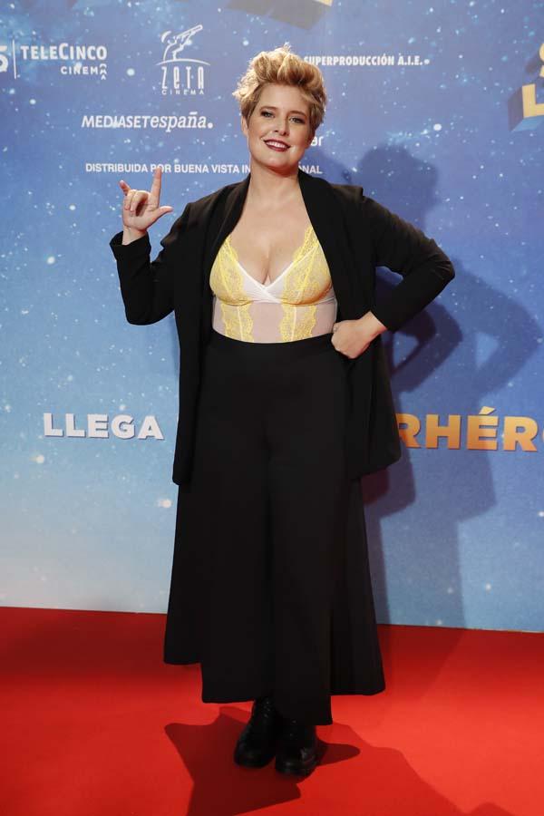 Tania Llasera estreno superlopez mejor y peor vestidas