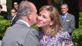 La infanta Cristina y el rey Juan Carlos, en una imagen de archivo / Gtres.
