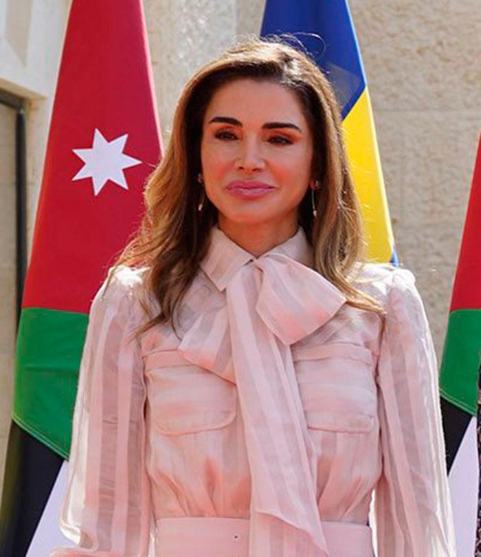 Rania de Jordania operaciones cirugía