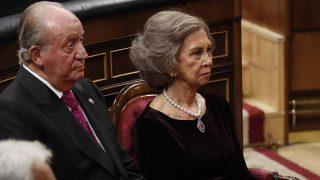 La reina Sofía, junto al rey Juan Carlos, en el homenaje a la Constitución / Gtres.