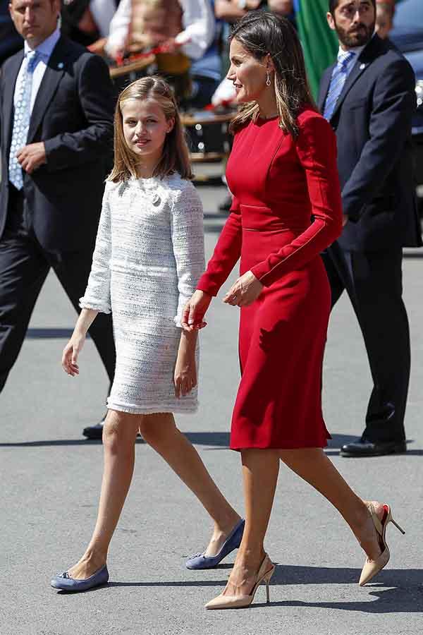 Doña Letizia y la Princesa de Asturias durante la celebración de los Aniversarios de Covadonga