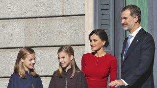 Los Reyes y sus hijas en el aniversario de la Constitución / Gtres