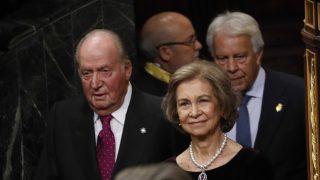 Los reyes don Juan Carlos y doña Sofía en los actos de aniversario de la Carta Magna / Gtres
